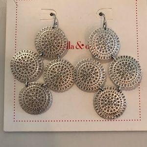 Stella & Dot Medina Chandelier earrings